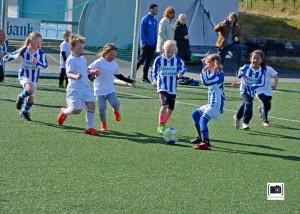 14. Moi Jentene mot et blanda lag 6 åringer fra Haukland.
